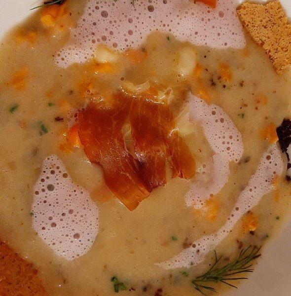 paulsstern: Kartoffel | Speck | Muskat | Wildkräuter | Schwarzbrot